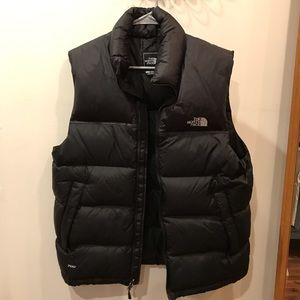 The North Face 700  Black puffer vest mens medium